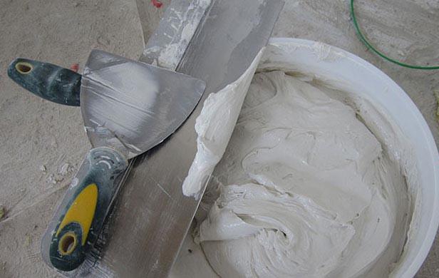 чем шпаклевать бетон