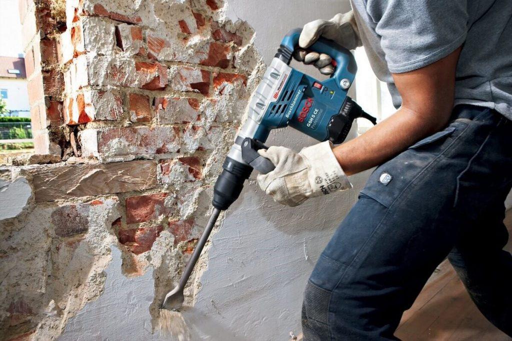 Очистка стен под новую штукатурку