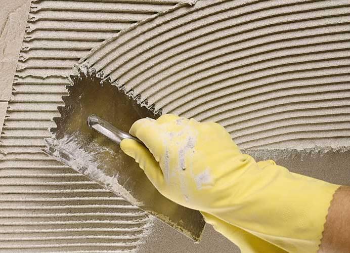 Плиточный клей в отделке