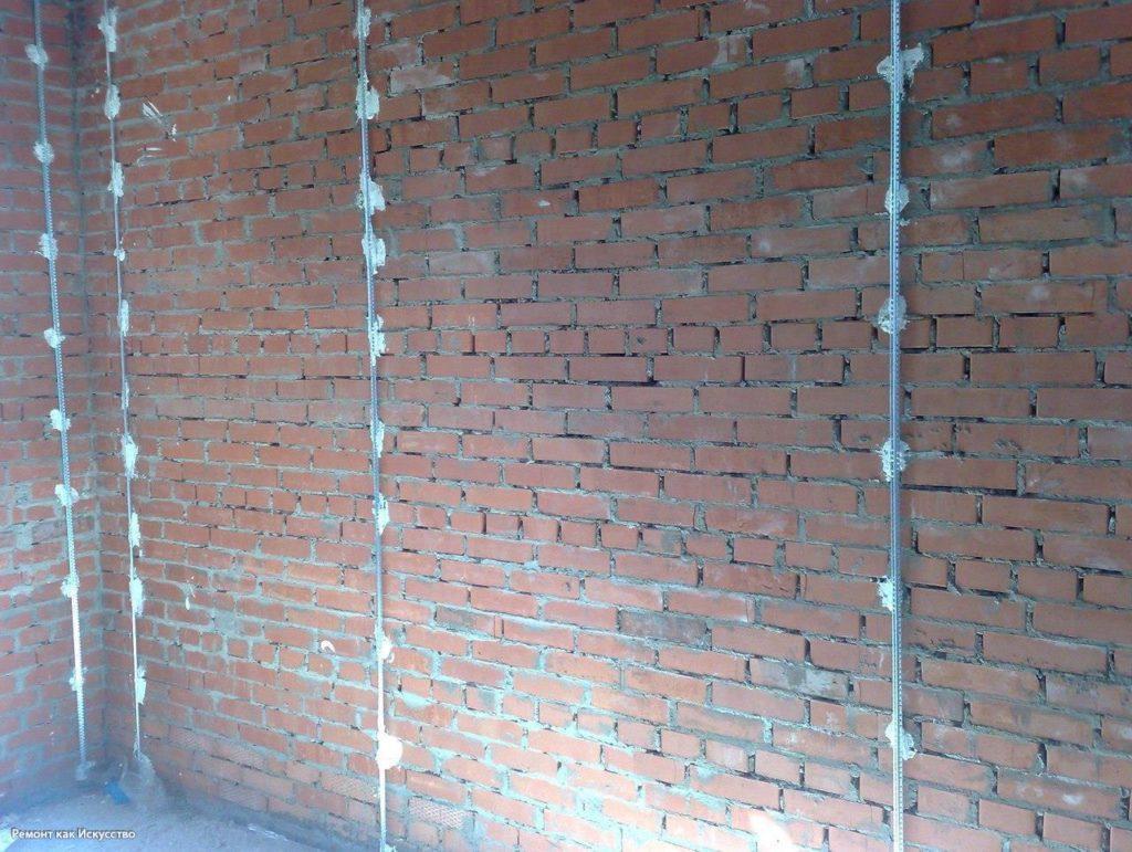 Установка маяков на стену перед выравниванием