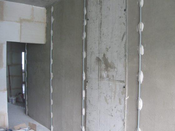 шпаклевка стен по маякам