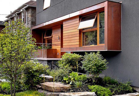 Сочетание штукатурки и дерева в отделке фасада
