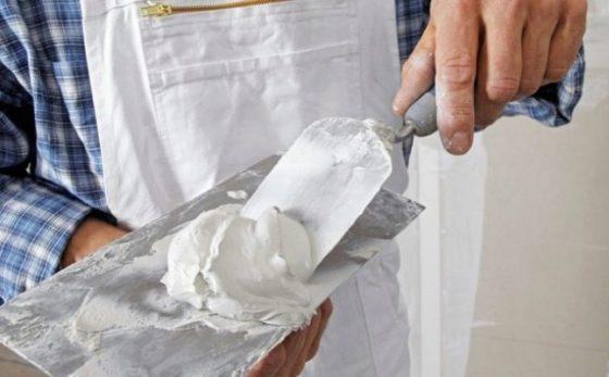Как наносить шпаклевку на металл