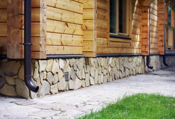 Камень для цоколя дома