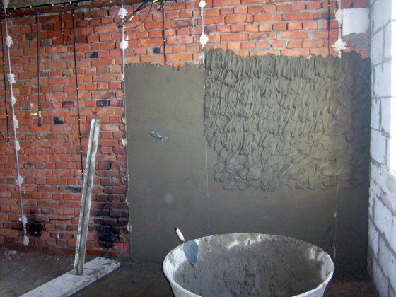 Штукатурка кирпичных стен гаража
