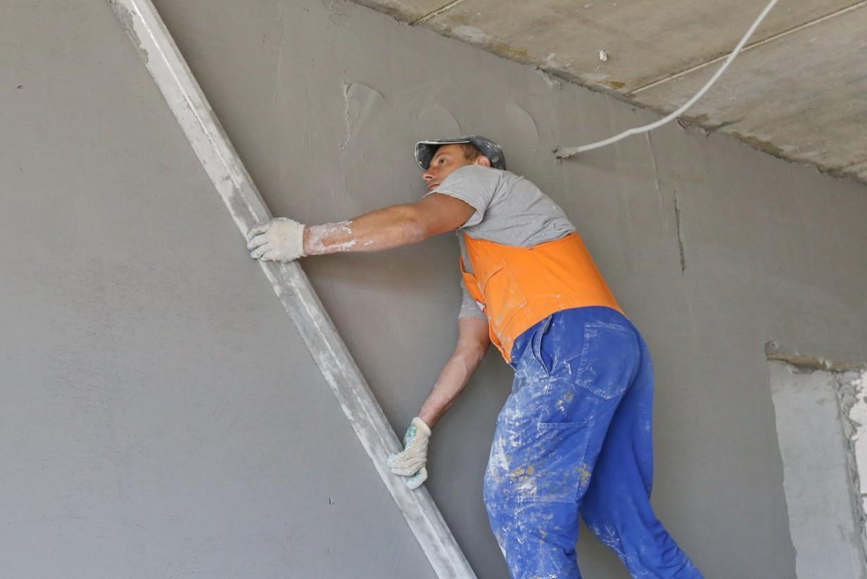 Как выровнять стены цементным раствором штукатурка для наружных работ по керамзитобетону