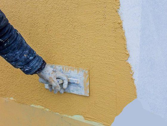 Как наносить штукатурку шуба на фасад